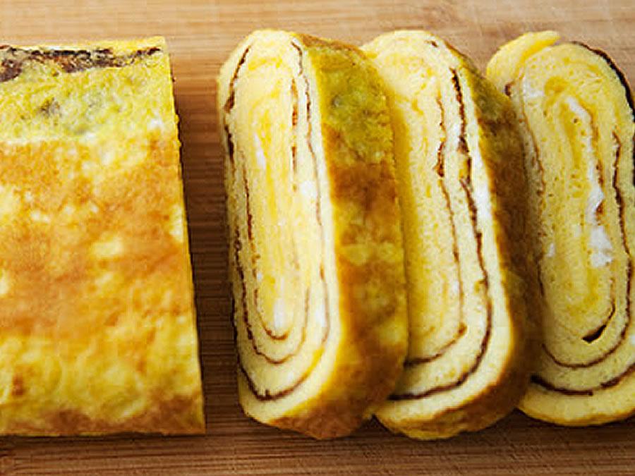 Tamagoyaki (Japanese Omelette)