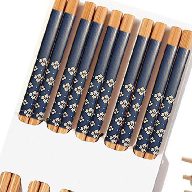Traditional Bamboo Chopsticks & Japanese Prints
